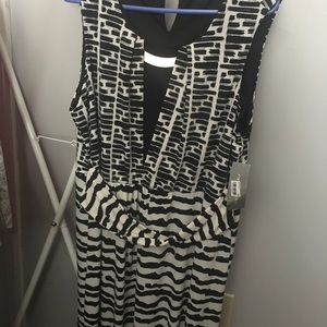 Long abstract print dress w gold accent neckline